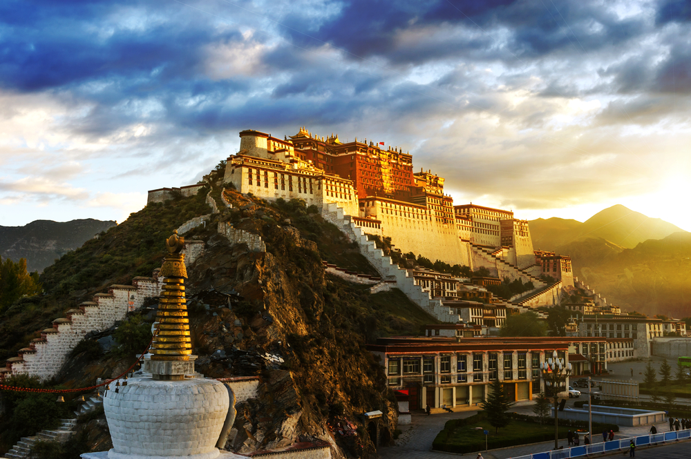 """西藏发布首条""""红色+""""复合旅游线路"""